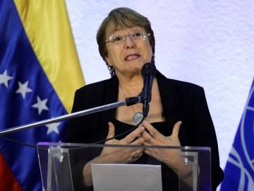 Michelle Bachelet en una conferencia en Venezuela