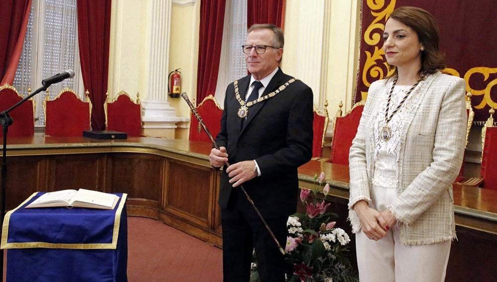 El nuevo presidente de la Ciudad Autónoma de Melilla, Eduardo de Castro, durante su toma de posesión