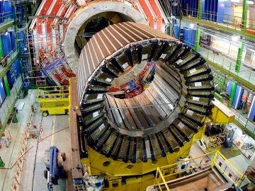 El Colisionador de Hadrones, la mayor máquina superconductora del mundo en el Laboratorio Europeo de Física de Partículas (CERN), en Ginebra.