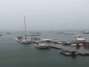 El barco antes de que le alcanzase un rayo en Boston.