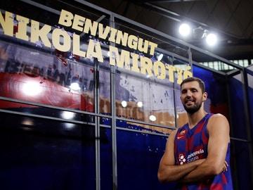 Nikola Mirotic, en su presentación con el Barcelona