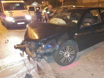 Coche destrozado en un accidente en Blanes, Girona