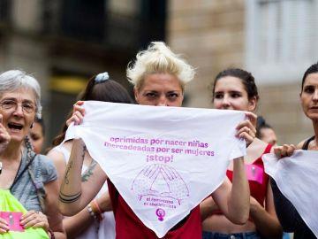 Protesta en apoyo a la víctima de la Manada de Manresa