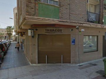 El estanco que sufrió un robo y luego repartió un premio en Castellón