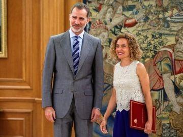 El rey Felipe VI durante la recepción a la presidenta del Congreso, Meritxell Batet
