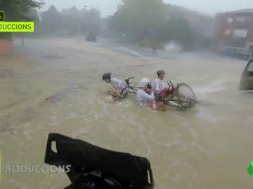 Estas son las impactantes (y lamentables) condiciones en las que se disputó la contrarreloj de la Volta al Penedès