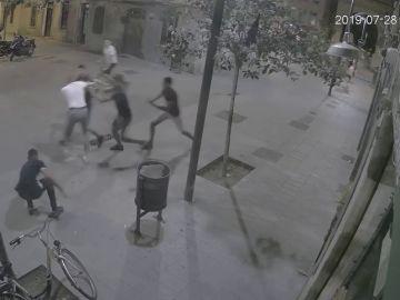 Brutal paliza a un turista por un grupo de jóvenes en el barrio de La Barceloneta
