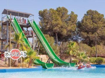 Atracción 'Banzai' del parque acuático Aqualand, en Mallorca.