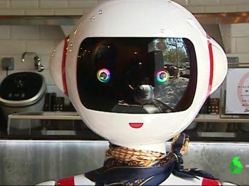Mulán, camarera robot en un restaurante de Valencia