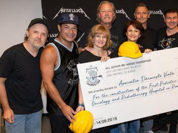 El grupo Metallica con la fundación Daruieste Viasta