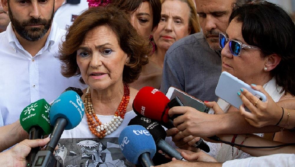 Carmen Calvo durante su visita a la feria de Málaga