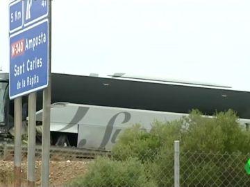 Un muerto y 9 heridos en un accidente entre un coche y un autobús en la AP-7 en Amposta