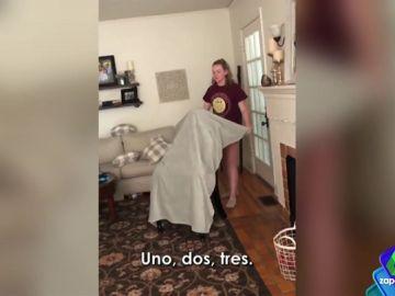 Tapar a alguien con una manta y hacerle creer que es invisible: la broma viral que ha dejado pasmado a Frank Blanco