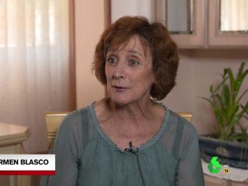 La realidad de los 'abuelos sandwich': Carmen trabaja, cuida a su madre de 97 años y a su nieto de 4