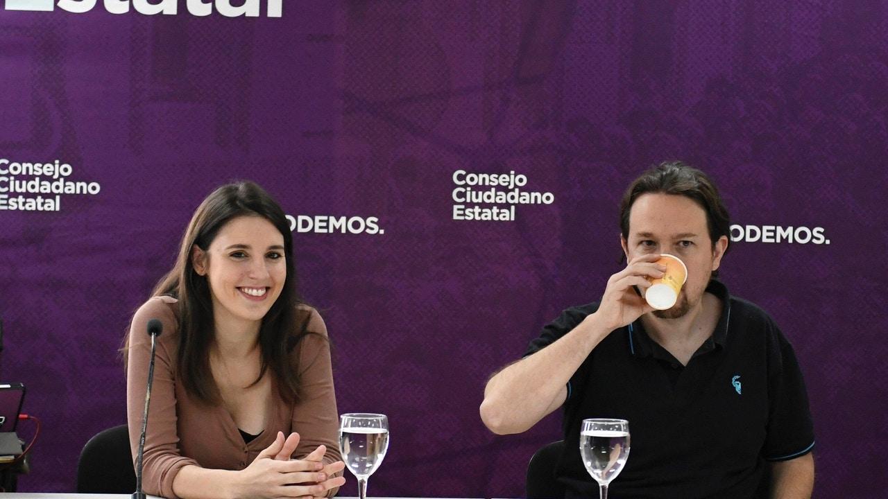 Irene Montero junto a Pablo Iglesias