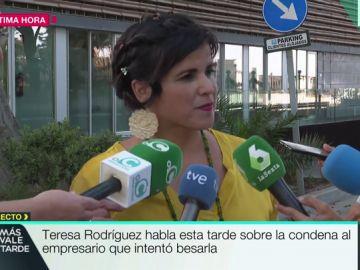 """Teresa Rodríguez, tras la condena al empresario que intentó besarla: """"Tenía en mente a mi madre y a mi hija Aurora"""""""