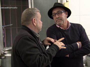 """Juanete se atreve a vacilar a Chicote: """"Esa regleta es para alumbrar cómo está cayendo la grasa gota a gota"""""""