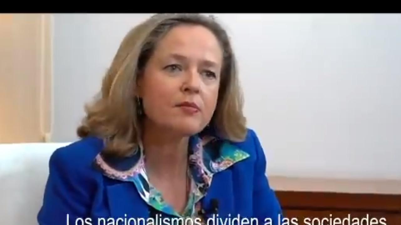 Nadia Calvino durante su intervención en el vídeo