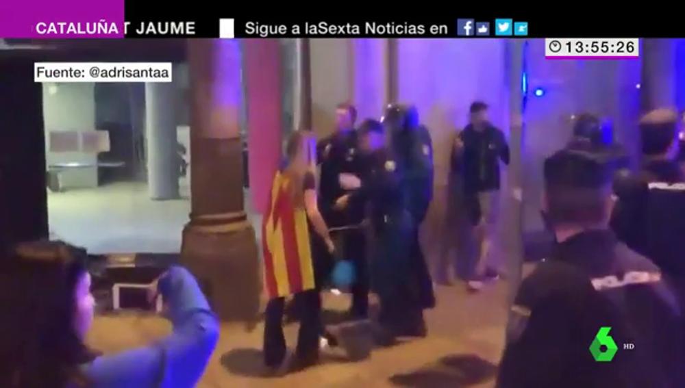 Cuestionada actuación policial en Barcelona