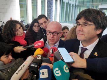 El abogado Gonzalo Boye, con Carles Puigdemont (Archivo)