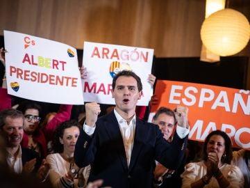 Albert Rivera en un acto de campaña electoral en Aragón