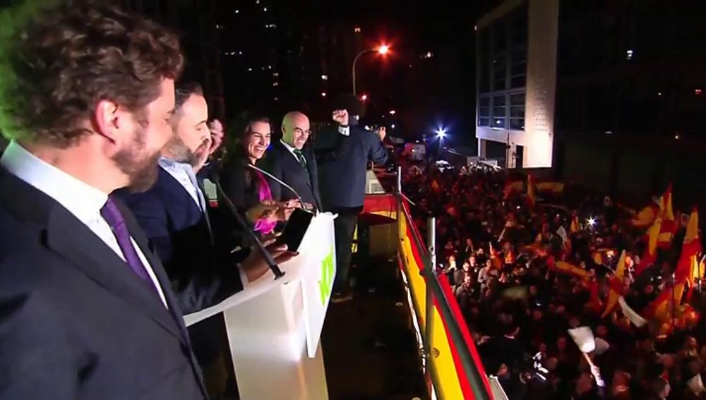 Euforia de los votantes de Vox con el discurso de Abascal el 10N