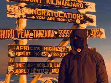 Muguruza hace cumbre en el Kilimanjaro