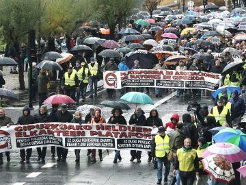 Vista general de la manifestación convocada por el movimiento de pensionistas de Gipuzko