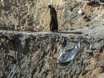Imagen de archivo del lugar de Gaza donde impactó un proyectil de Israel