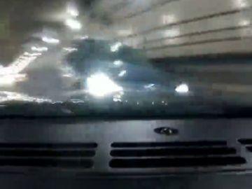Brutal accidente en un túnel durante una carrera ilegal de coches de lujo entre un padre y su hijo