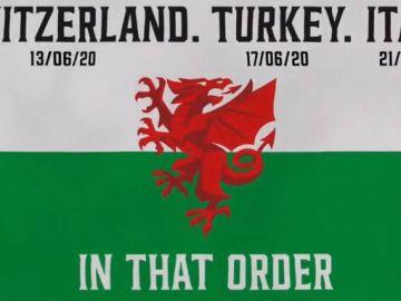 Gales y la bandera para anunciar a sus rivales en la Eurocopa