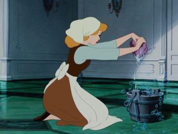 De limpiar y ser amadas a convertirse en heroínas que lideran una lucha: la evolución de las princesas Disney