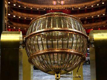 Lotería de Navidad 2020: Los bombos del sorteo de Navidad llegan al Teatro Real de Madrid