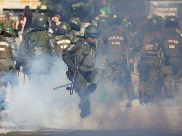 Despliegan un millar de policías en la zona cero de las protestas en Chile