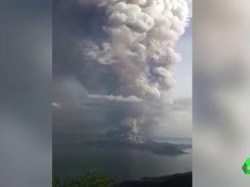 Volcán Taal en Filipinas