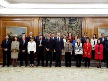 El rey, Sánchez y los vicepresidentes y ministros del Gobierno