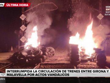 Tsunami democràtic vuelve a llamar a la movilización: una quema de neumáticos interrumpe el tren entre Girona y Barcelona