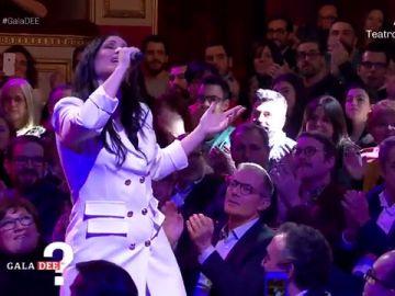 Rosa canta 'Europe's living a celebration'