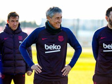 Quique Setién dirige su primer entrenamiento con el FC Barcelona