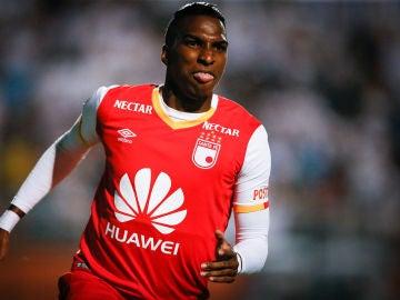 Johan Arango celebrando un gol