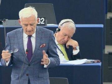 García-Margallo se duerme en el Europarlamento