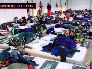 Así es el campamento del Dakar donde durmieron cientos de pilotos tras la décima etapa