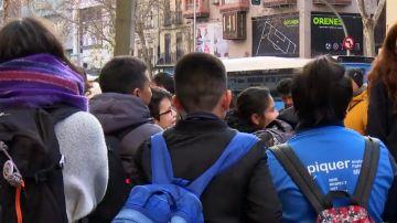 Niños a la salida de los colegios.