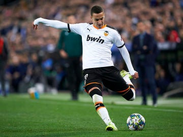 Rodrigo Moreno, durante un partido con el Valencia.