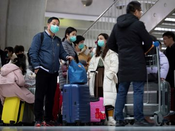 Un pasajero obliga a su avión a regresar a Toronto en pleno vuelo al bromear con tener el coronavirus