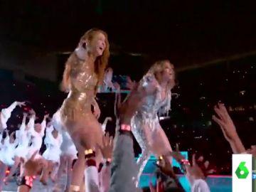 Lo que hay detrás de los impresionantes looks de Shakira y Jennifer López en la Super Bowl