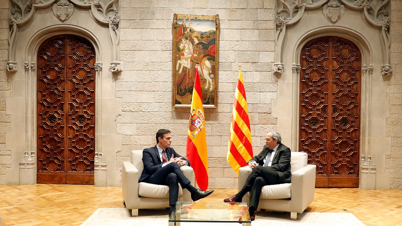 Sánchez y Torra, durante su reunión