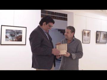Alberto Chicote quiere que Juan Antonio tenga un recuerdo suyo y le hace un regalo muy especial