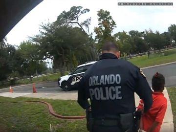 Detenida una niña de seis años en Orlando