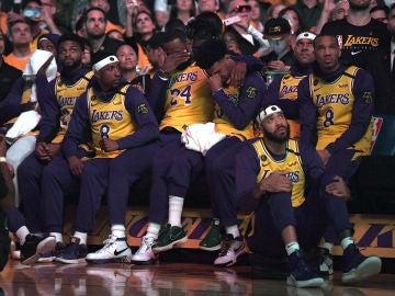 Los Lakers en un partido ante Portland
